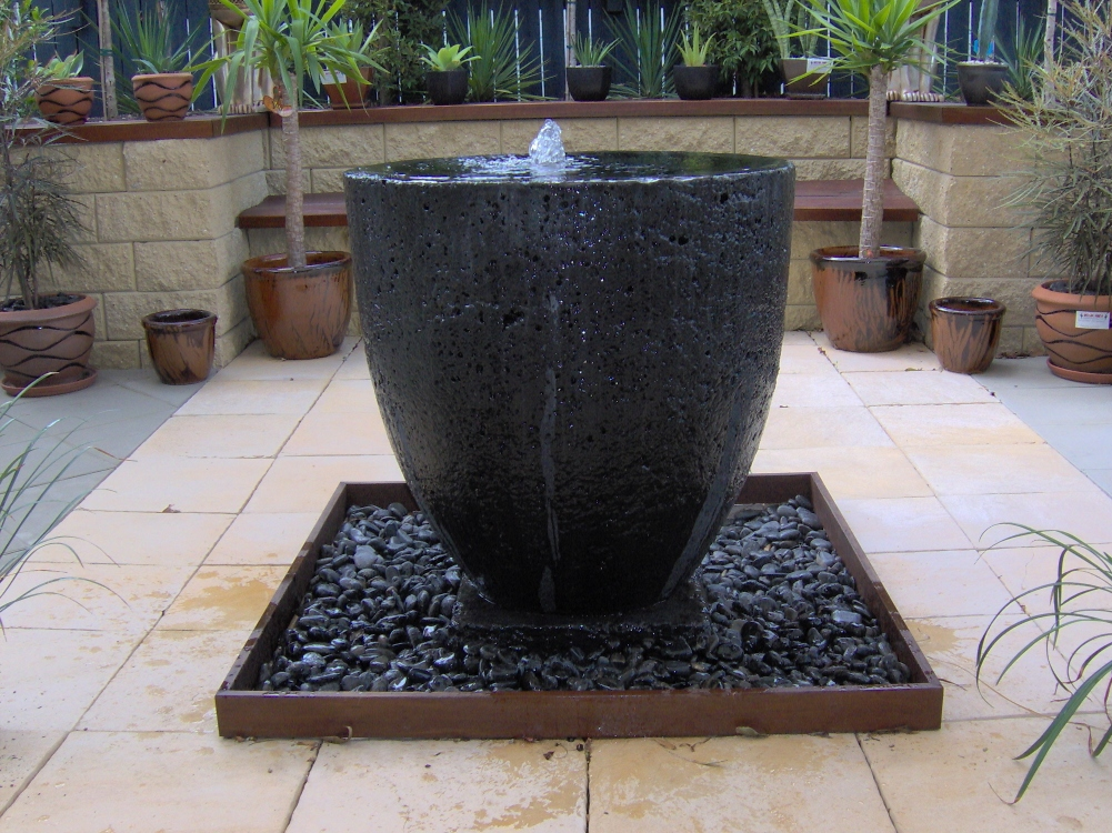 Potanico contemporary garden water features and wall plaques for Water features