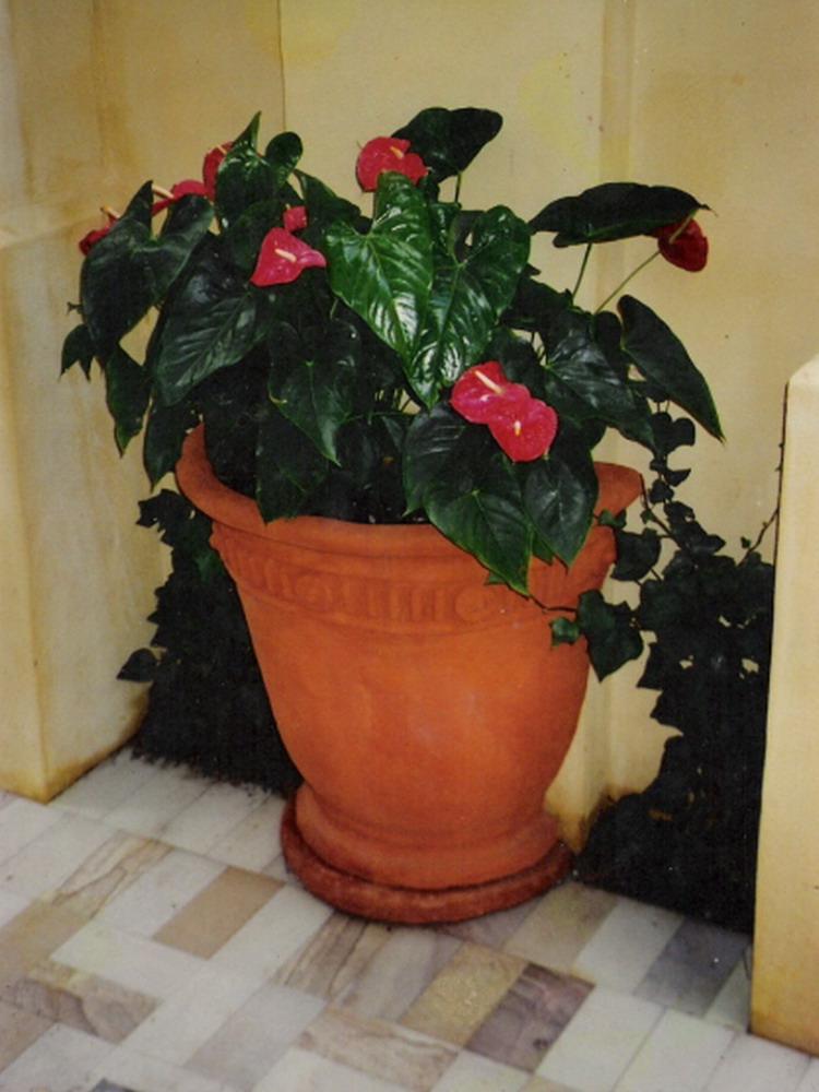 Potanico Custom Tables Half Amp Corner Pots And Urns